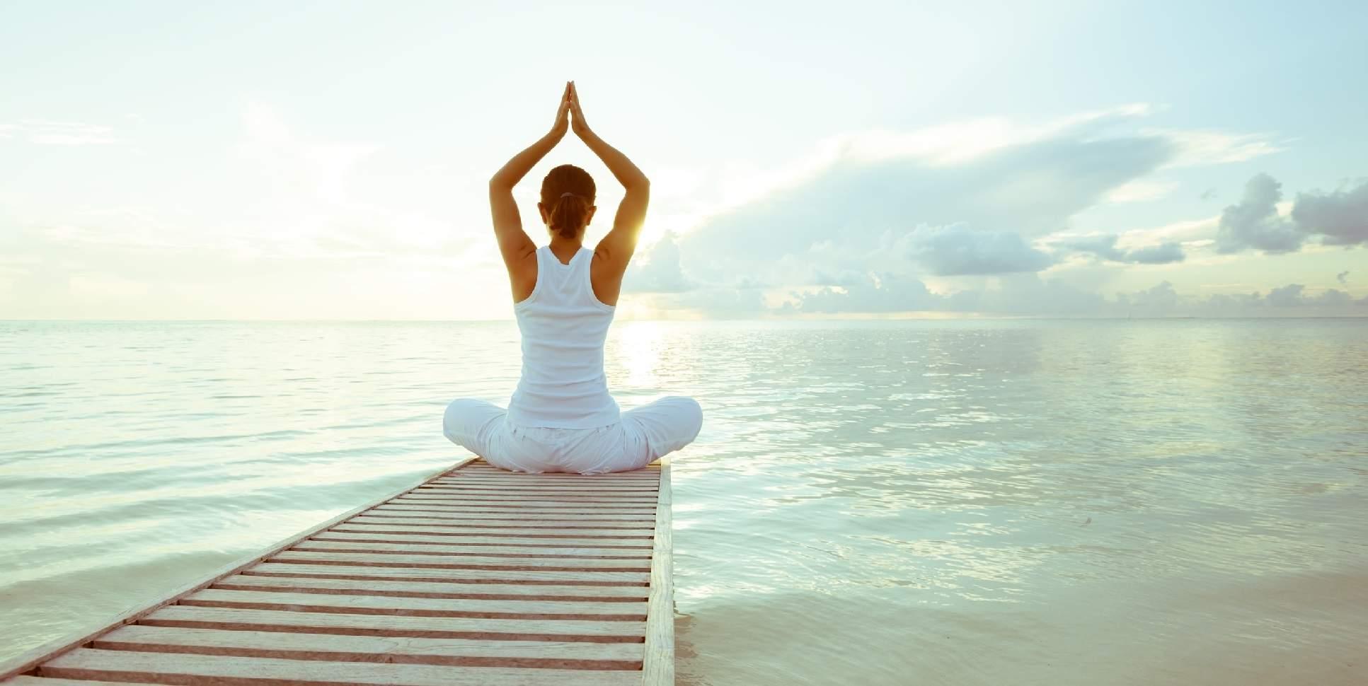 Yogaunterricht am Meer